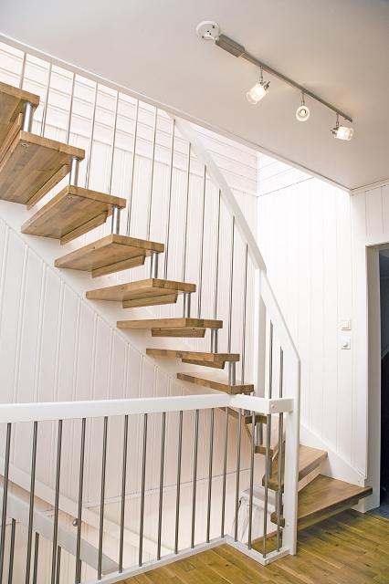 treppe holztreppen aus eigener herstellung. Black Bedroom Furniture Sets. Home Design Ideas